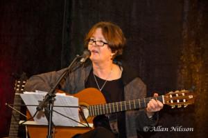 Eva Borgström sjunger visor