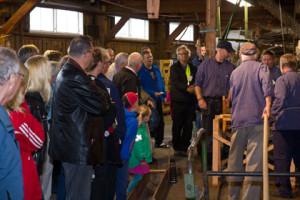 Publiken intresserat på vid rep tillverkningen